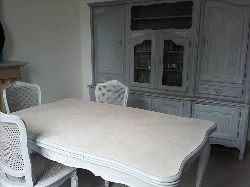 """création de """"les pinceaux de Stéphanie"""", table retapée"""