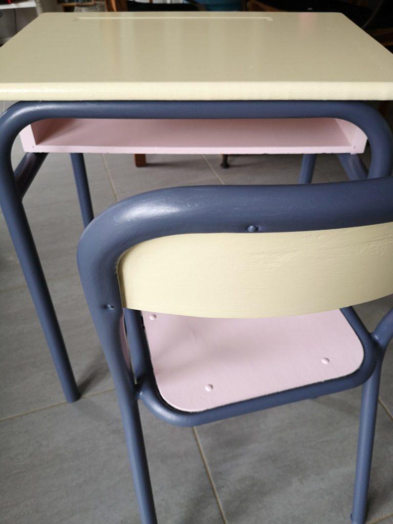 création de l'atelier de Pascaline, chaise et table retapées